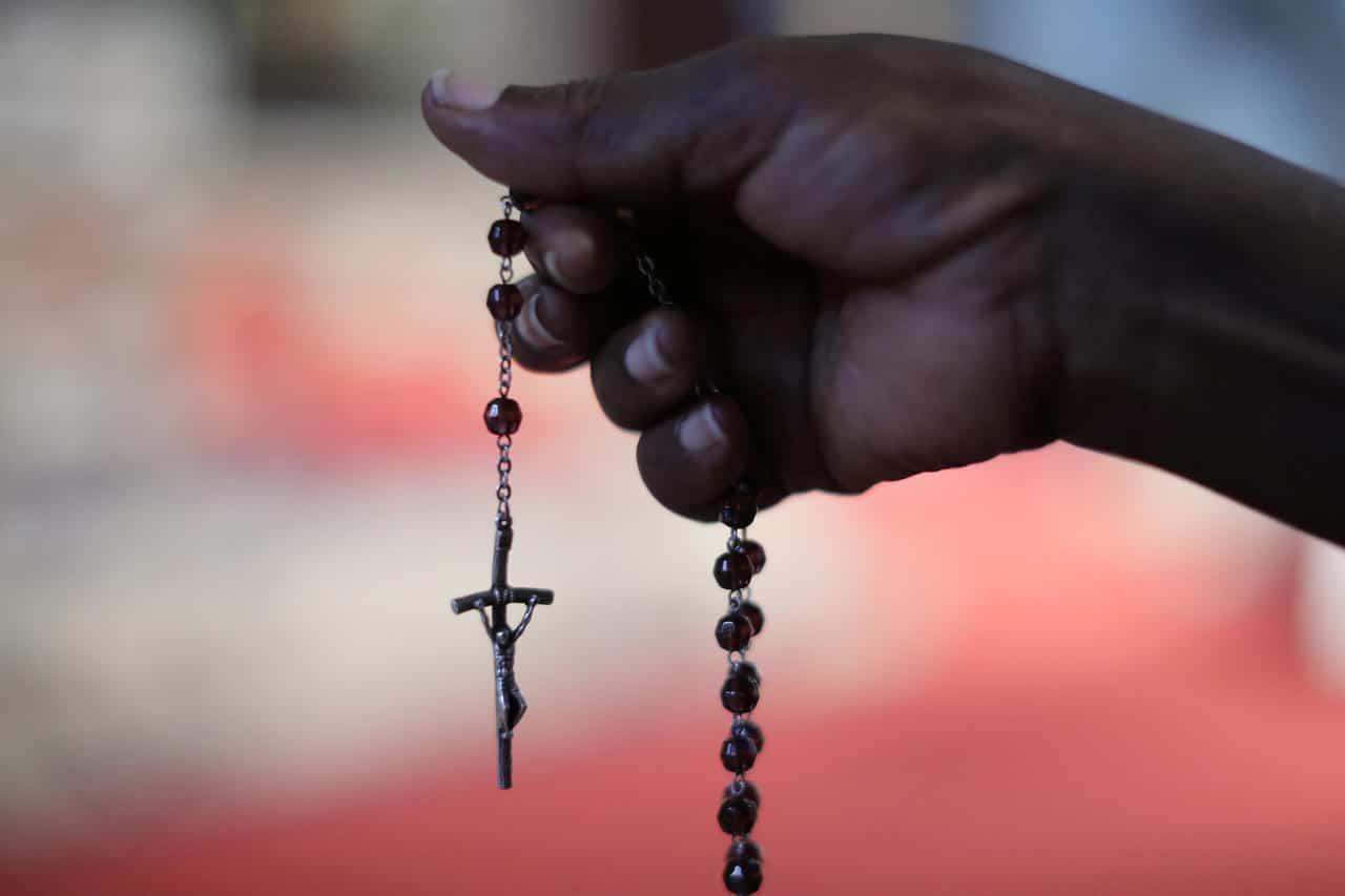 Nous avons prié le rosaire à Esplechin…
